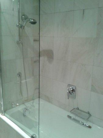 Grand Hotel Barone Di Sassj: Bagno