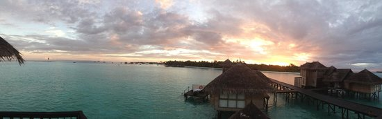 Gili Lankanfushi Maldives : Spectacular sunrises and sunsets