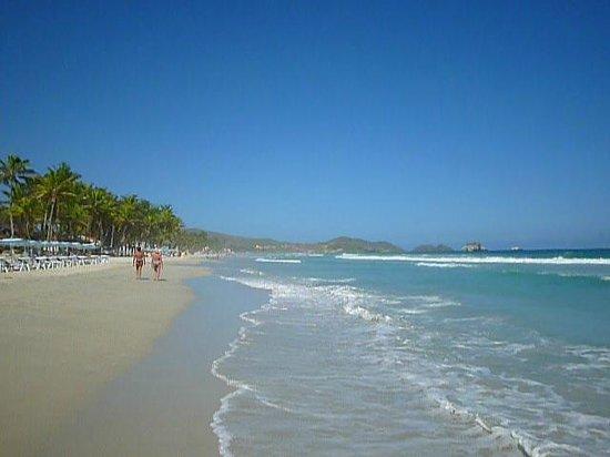 La Playa El Agua: playa el agua
