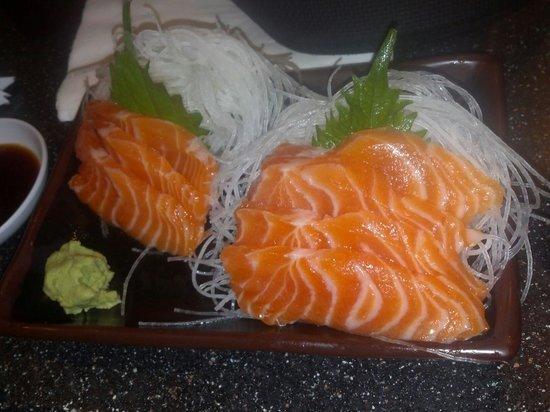 Daikokuya: Salmon sashimi $10