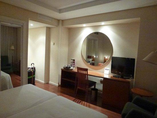 TRYP Madrid Chamartín Hotel: Habitacion