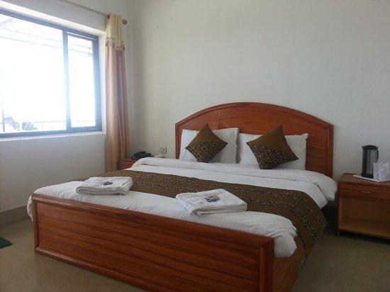 Bright Sunny Pines Hotels & Resort