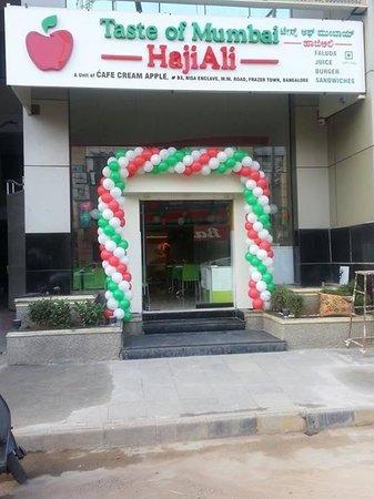 Taste of Mumbai Hajiali Juice Centre