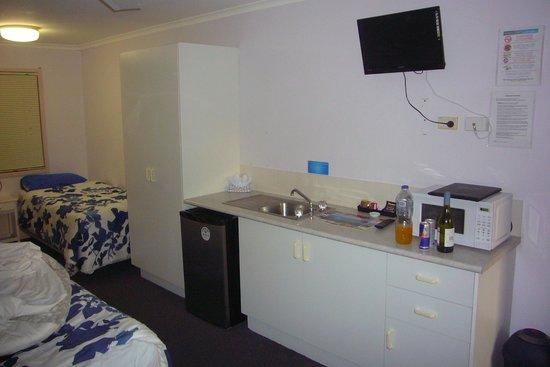 Ocean Park Motel: Kleiner Kochplatz mit Micro etc.
