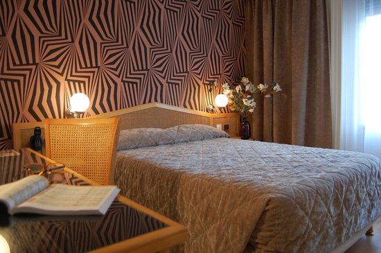 "Hotel du Midi: Chambre EXECUTIVE ""Néo Seventies"""