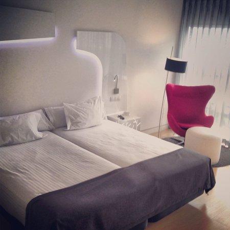Ayre Hotel Oviedo: Zona dormitorio