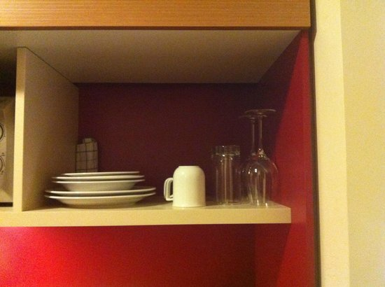 FourSide Hotel & Suites Vienna: Kitchenware