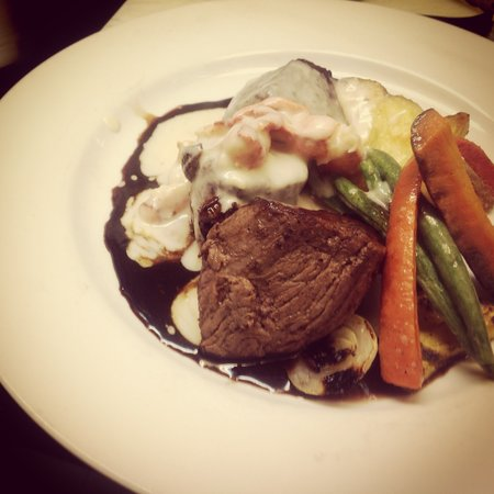 Vinny's Euro American Restaurant: Aspen Ridge Beef Medallions with Lobster Mournay