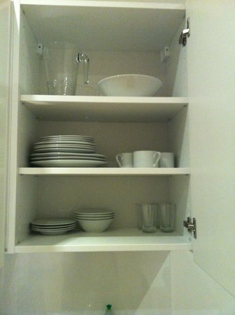 Vienna Inn Apartments: Kitchenware