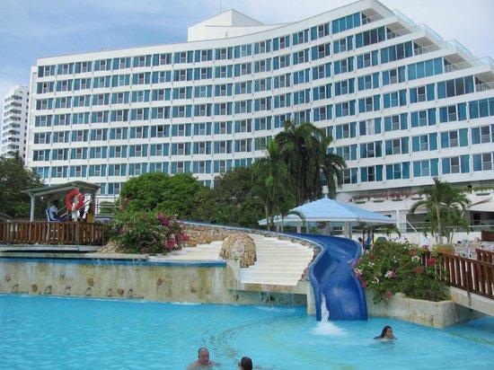 Hilton Cartagena: Water slide