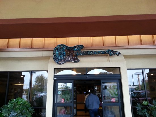 Wyndham Garden Austin : Guitar over the front dooe
