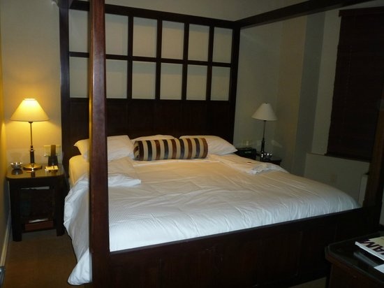 Hotel Chandler: cama con dosel king