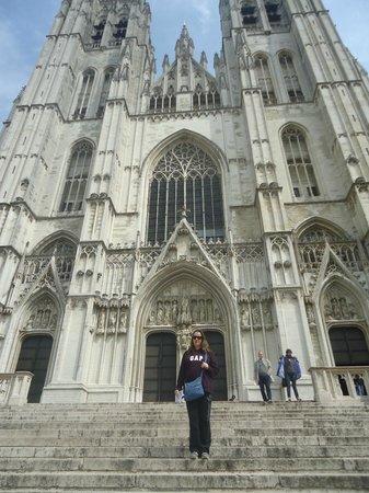 Notre Dame du Sablon : Frente da catedral