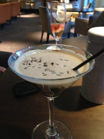 DoubleTree by Hilton London Ealing : The yummy Cookie Cocktail