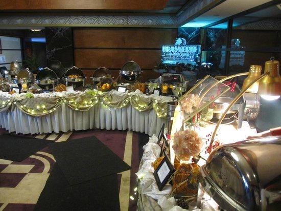 Brasserie Americana Restaurant, Bar and Lounge : Thanksgiving 2013 Buffet