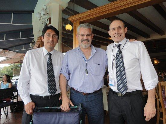 Resort Martino Boutique Hotel & Spa : En el comedor con dos amigos