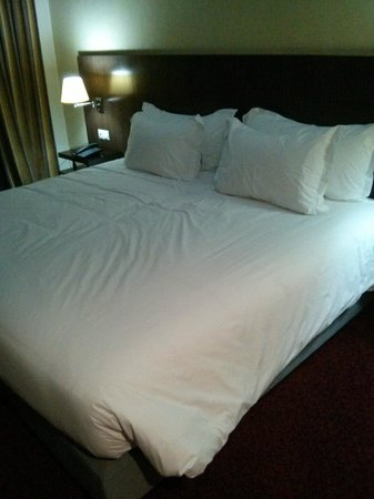 Rive Hotel: cama