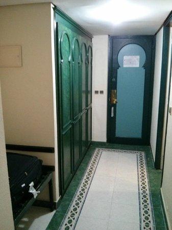 Hotel Volubilis: armario