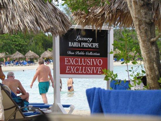 Luxury Bahia Principe Runaway Bay Don Pablo Collection: notre espace privé a la plage