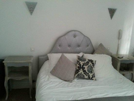 L'Emeraude des Bois : El dormitorio, bastante acogedor