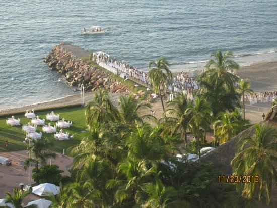 Sheraton Buganvilias Resort & Convention Center: View of beach and a wedding from 23rd Tower floor room 2349