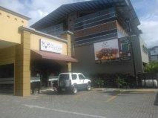 Bufalo Grill and Market : Bufalo Grill restaurant