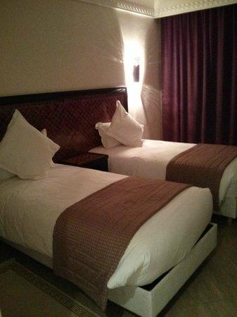 Zalagh Kasbah Hotel and Spa: camas
