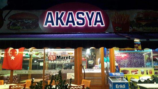 Akasya Bufe: Babanin Yeri