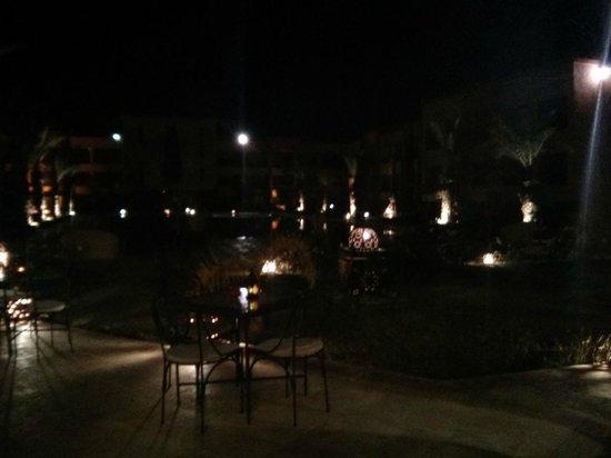 Zalagh Kasbah Hotel and Spa: Piscina