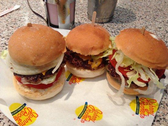 Johnny Rockets: Trio burgers