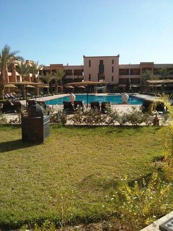 Zalagh Kasbah Hotel and Spa : piscina