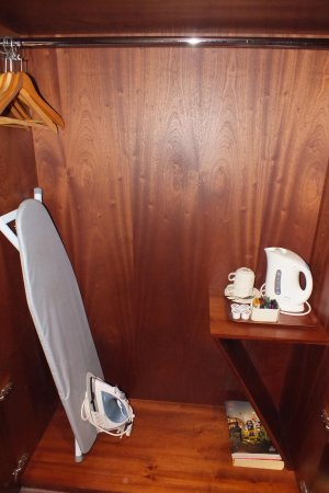 Camden Court Hotel: Plancha, kettle