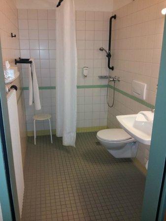 Best Western Plus Hotel Vier Jahreszeiten: Bad mit Dusche