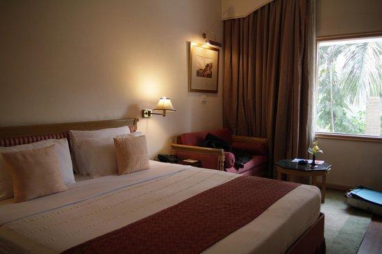 Hotel Clarks Varanasi: Bedroom Room 126