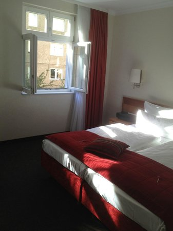 Hotel Adelante Berlin-Mitte: again the room