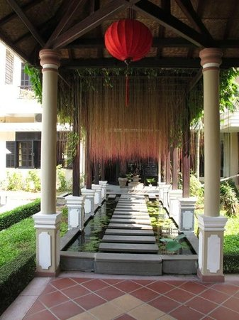 Hoi An Historic Hotel: Entrance to Spa
