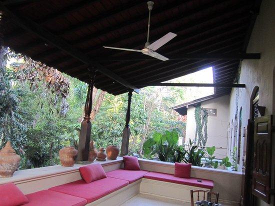 Apa Villa Illuketia: Fantastic verandah