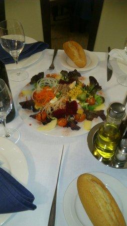 El Olivillo Restaurante - Bar: Ensalada el olivillo