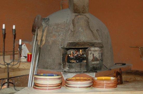 Arbol de Montalvo Restaurant: Wood burning oven