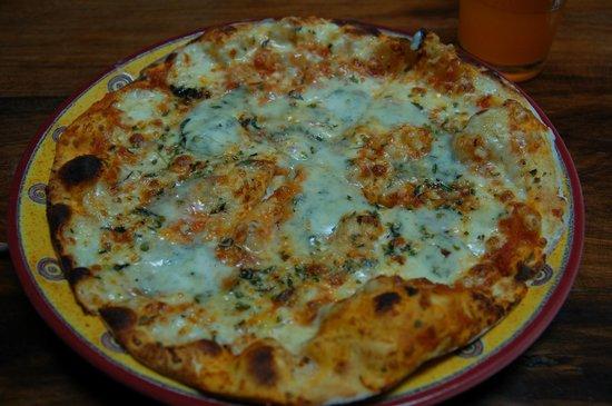 Arbol de Montalvo Restaurant: Delicious pizza