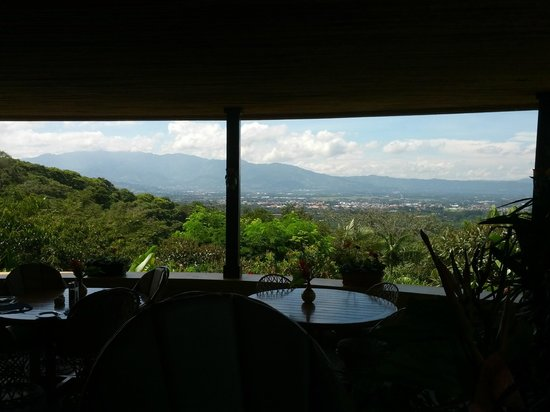 Xandari Resort & Spa: View of Central Valley from restaurant