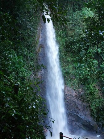 Xandari Resort & Spa: The 70-ft waterfall on the hiking trails at Xandari