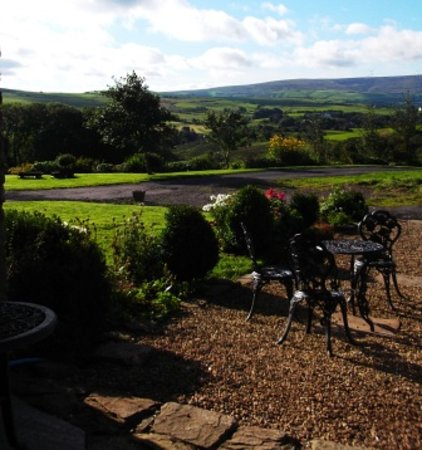 Peers Clough Farm: View from the courtyard