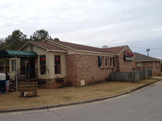 Clark's Restaurant: The entrance