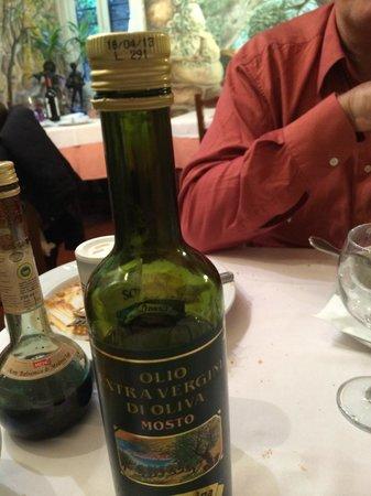 Osteria del Coniglio : date de consommation de l'huile dépassee depuis avril
