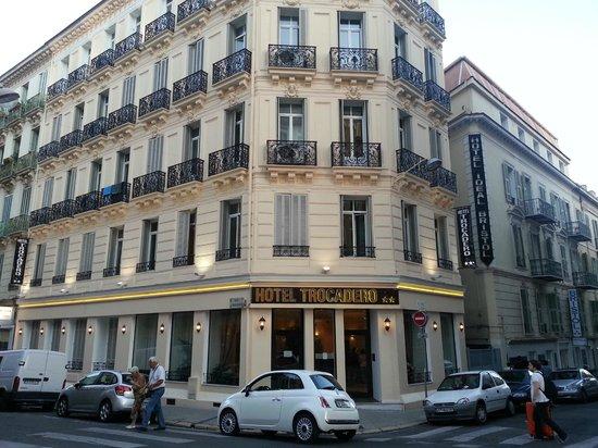 Hotel Trocadero: Building exterior