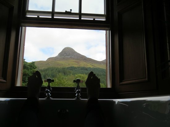 Glencoe House: A soak with a view of the Pap of Glencoe