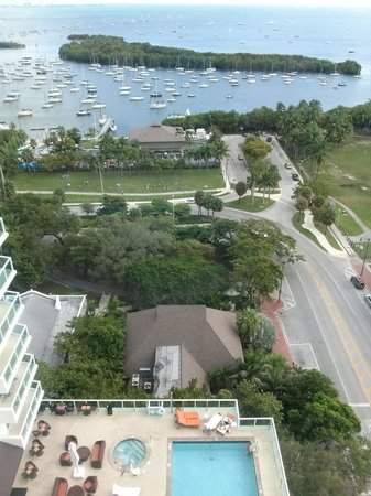 Sonesta Coconut Grove Miami : our room overlooked the pool and bay