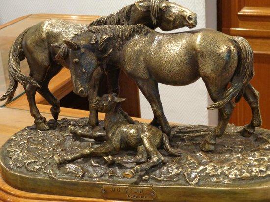 Plaza Hotel: Obra escultórica ubicada en la recepción.