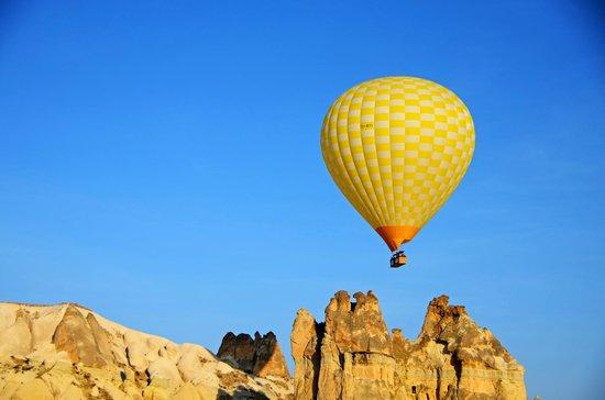 Hot air Balloon in Turkey, - Picture of Turkiye Balloons ...